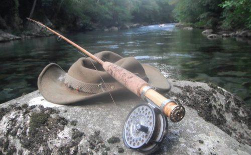 lancer-chapeau-rivière-ardéchoise